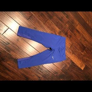 Nike DryFit crop workout pant